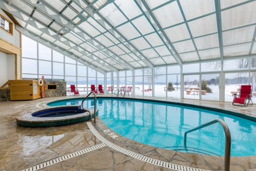 indoor pool at calabogie lodge